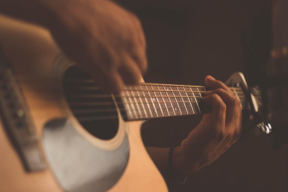 person playing guitar photo – Free Music Image on Unsplash