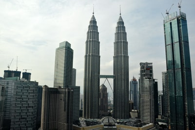 singapore twin tower malaysia zoom background