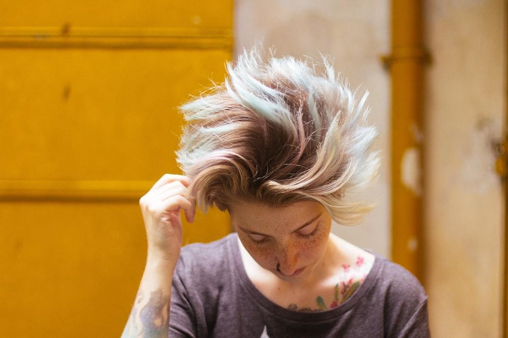 woman swaying her hair