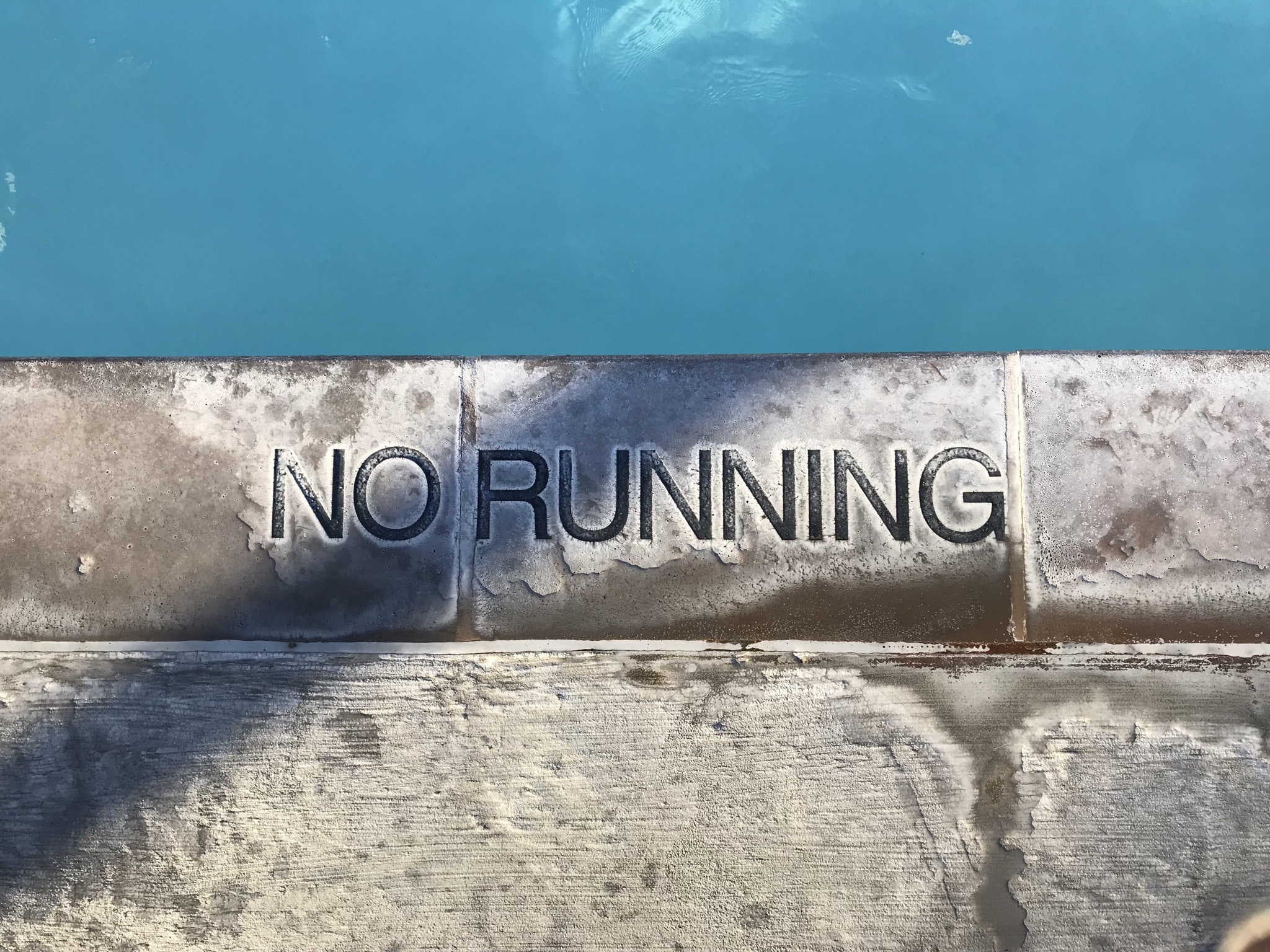 No running-printed pool ground