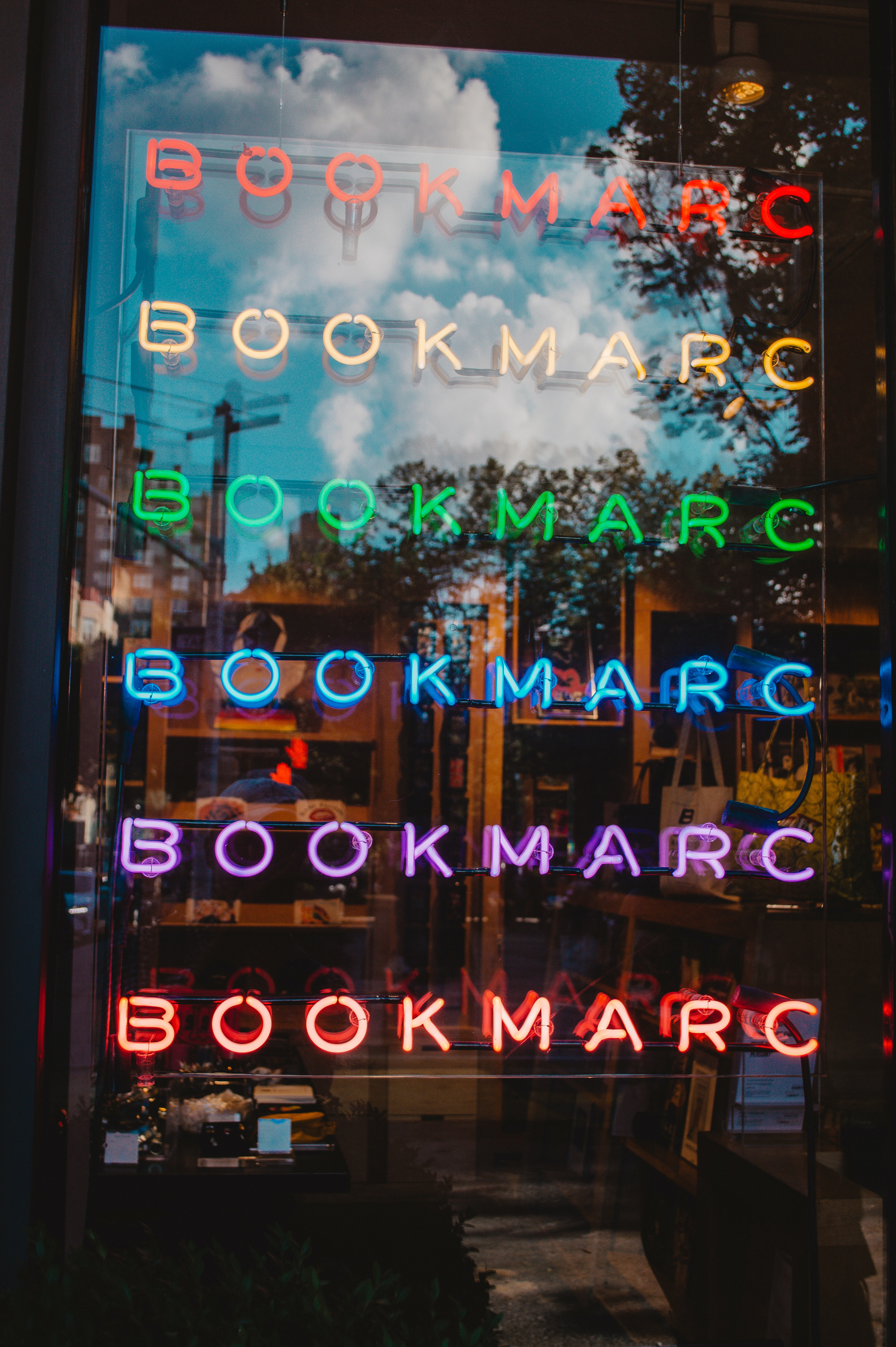BookMarc neon light signage