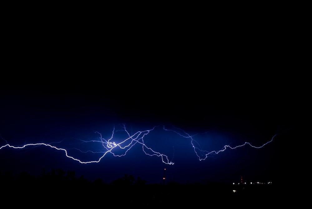 lightning digital wallpaper