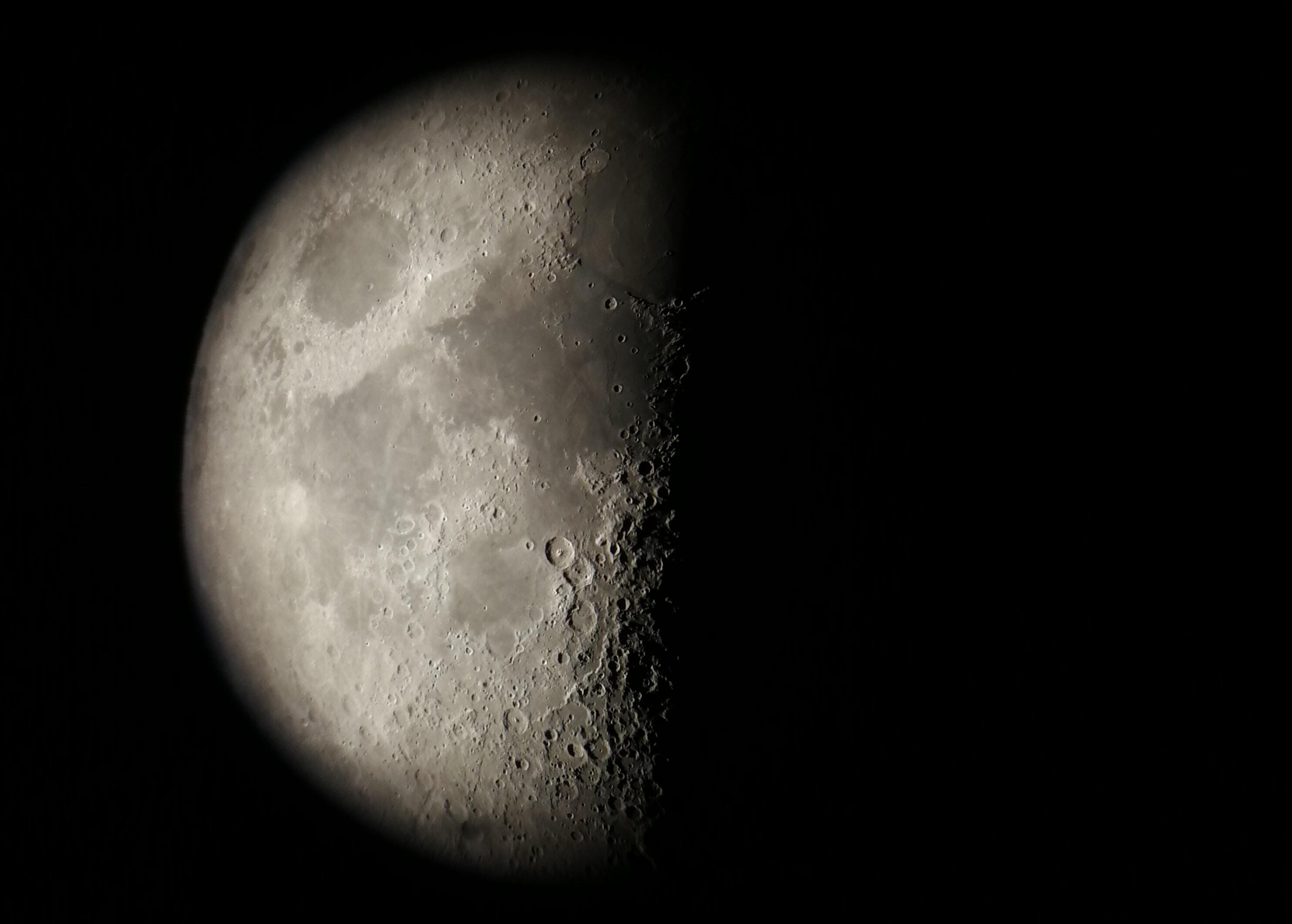 half-moon illustration