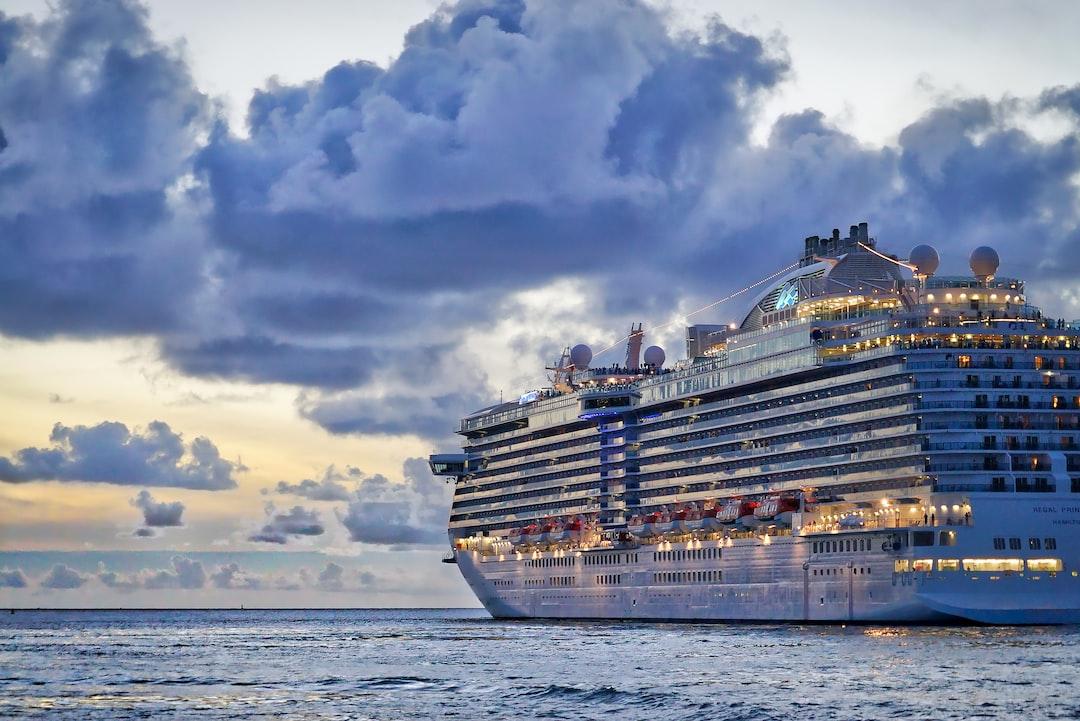 miami cruise passengers