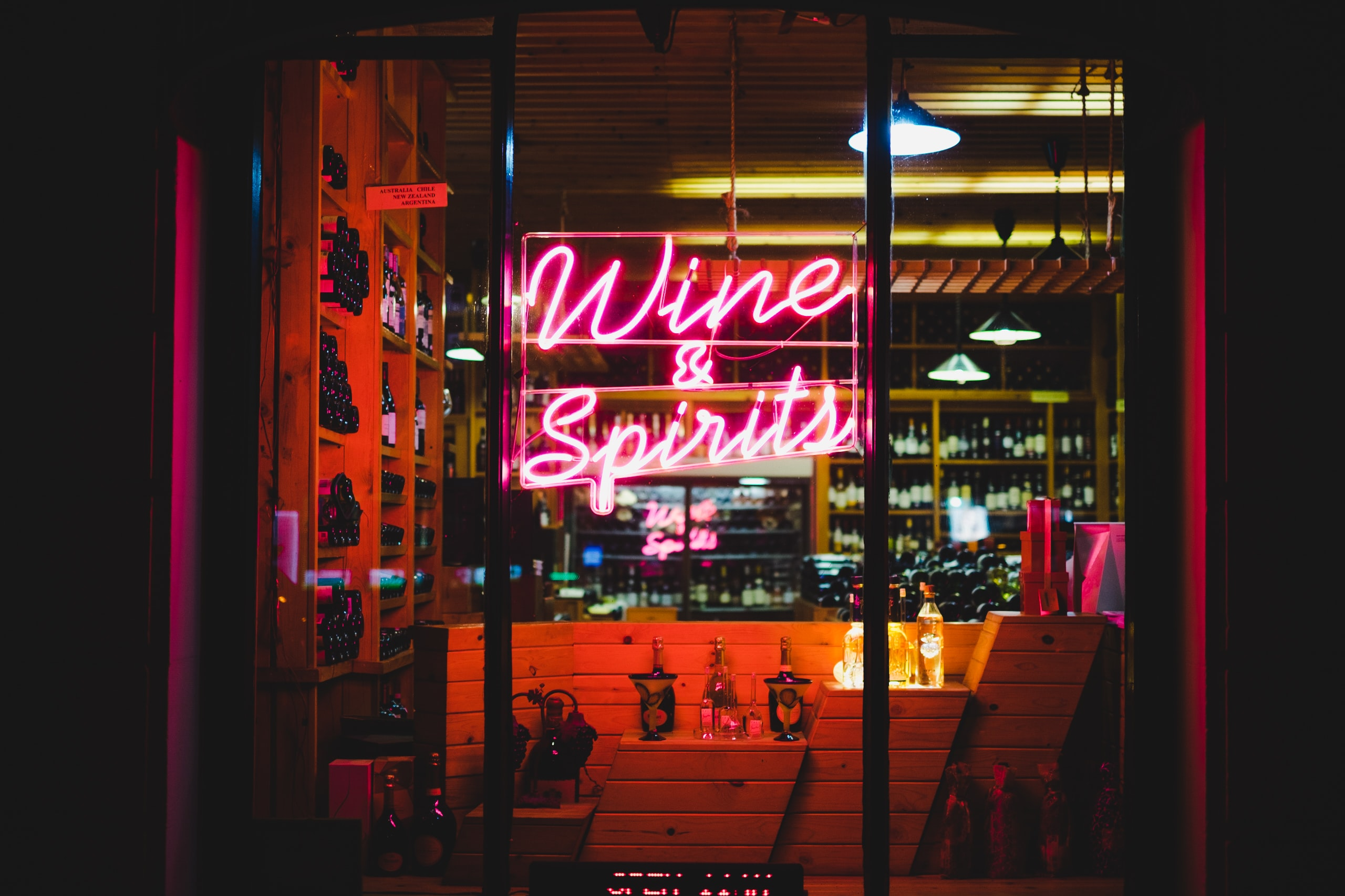 Wine & Spirit neon signage