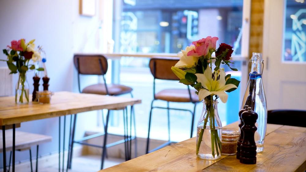 flower arrangement near dining table