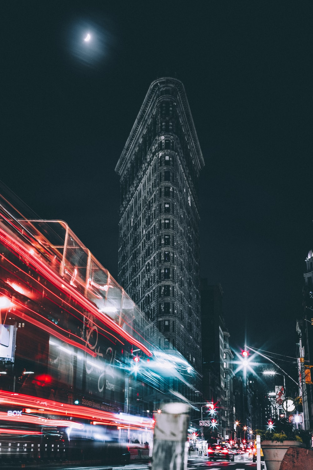 time lapse photography of flatiron building, New York city
