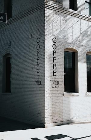 4167. Kávé