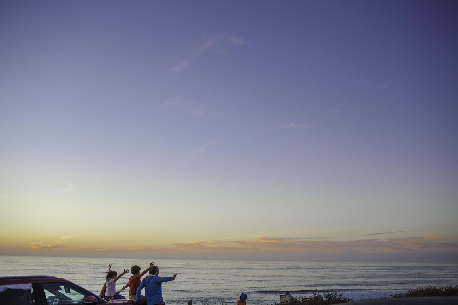"Canon EOS 5D Mark II sample photo. ""Three people sitting on"" photography"