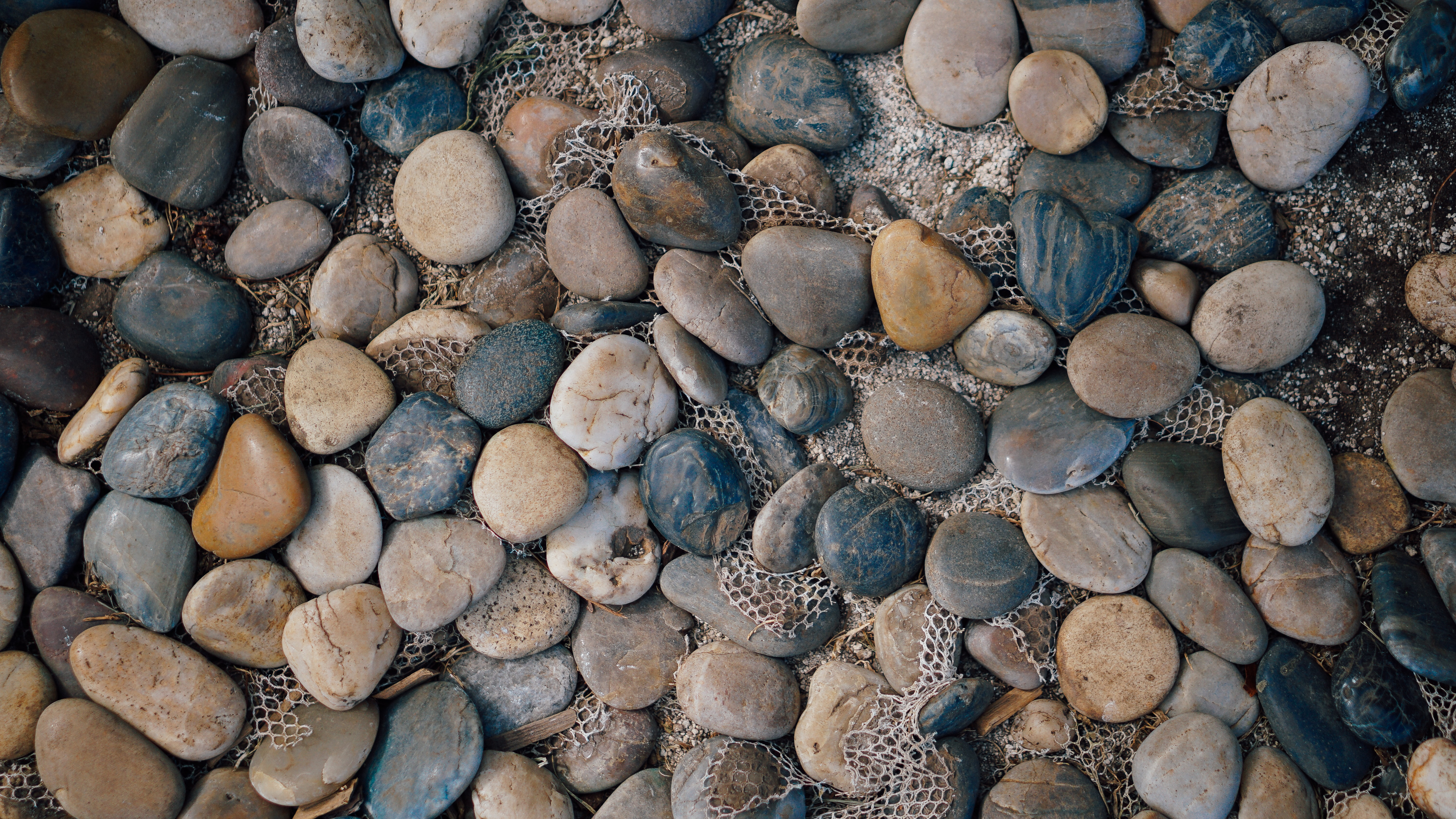 assorted-color pebble lot