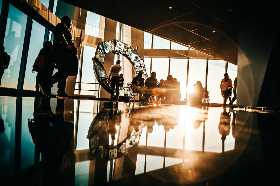 After a long day walking around Manhattan, I decided that my last stop from this trip would be the World Trade Center Observatory. The view was amazing and THAT light, gosh, that light was a like a fresh breeze  of inspiration. I sat in a corner, with my camera, and just observed the light interacting with people walking by for a few minutes. Pretty good spot to get by.
