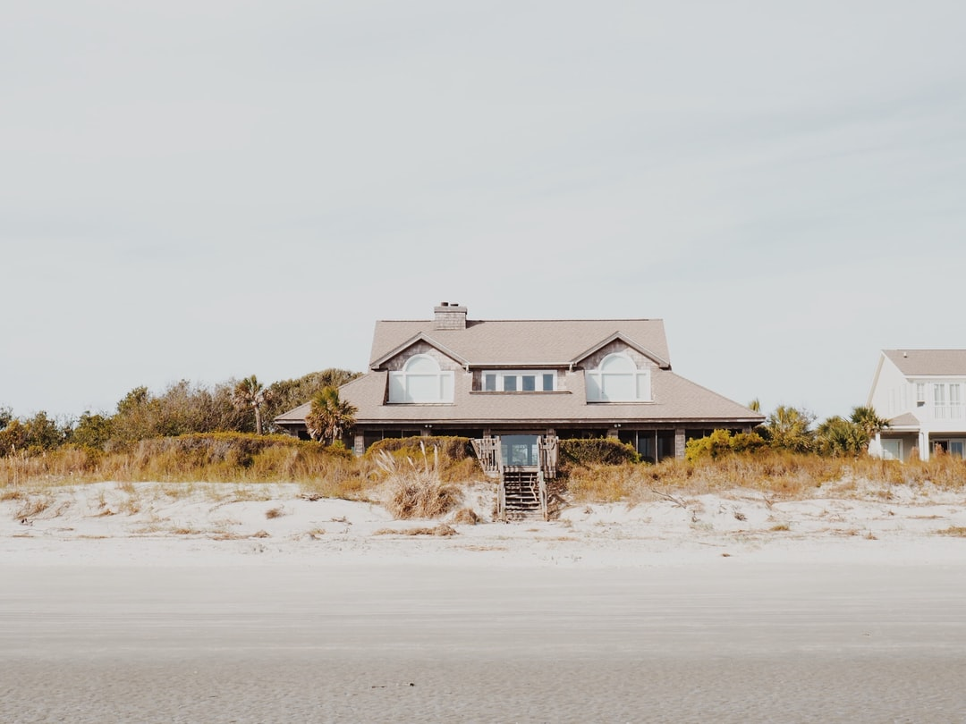 Beach home pictures download free images on unsplash for Beach house 3 free download