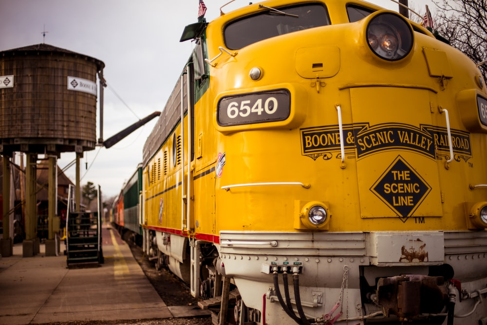 yellow Scenic valley train