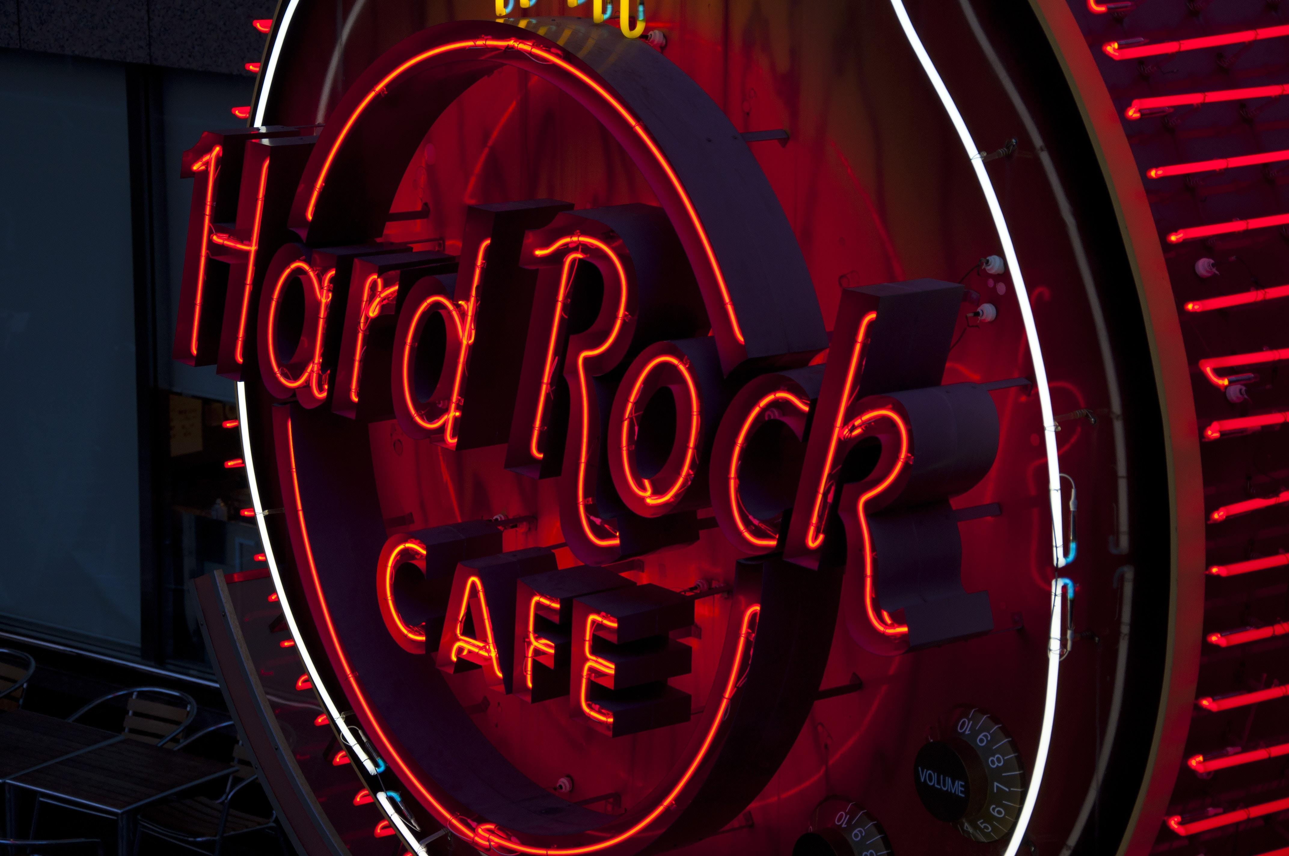 round red hard Rock Cafe signage