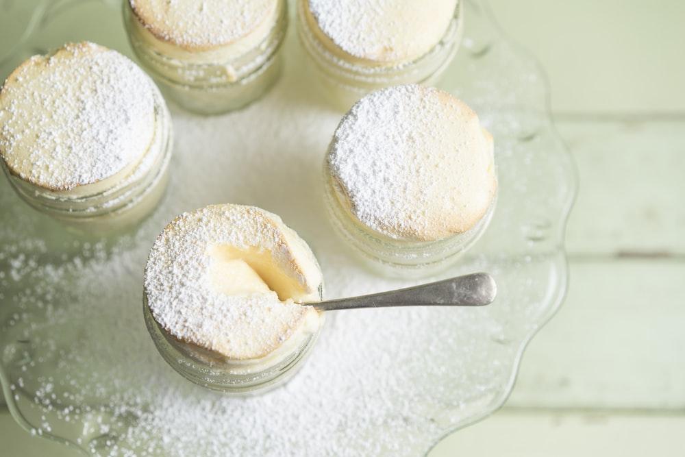 powdered baked cakes