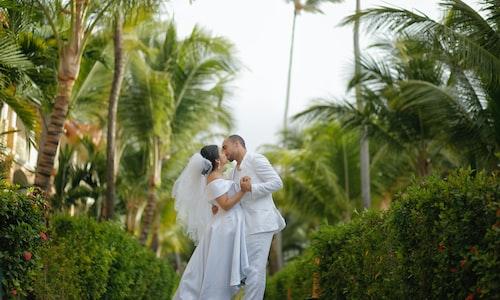wedding registry facts