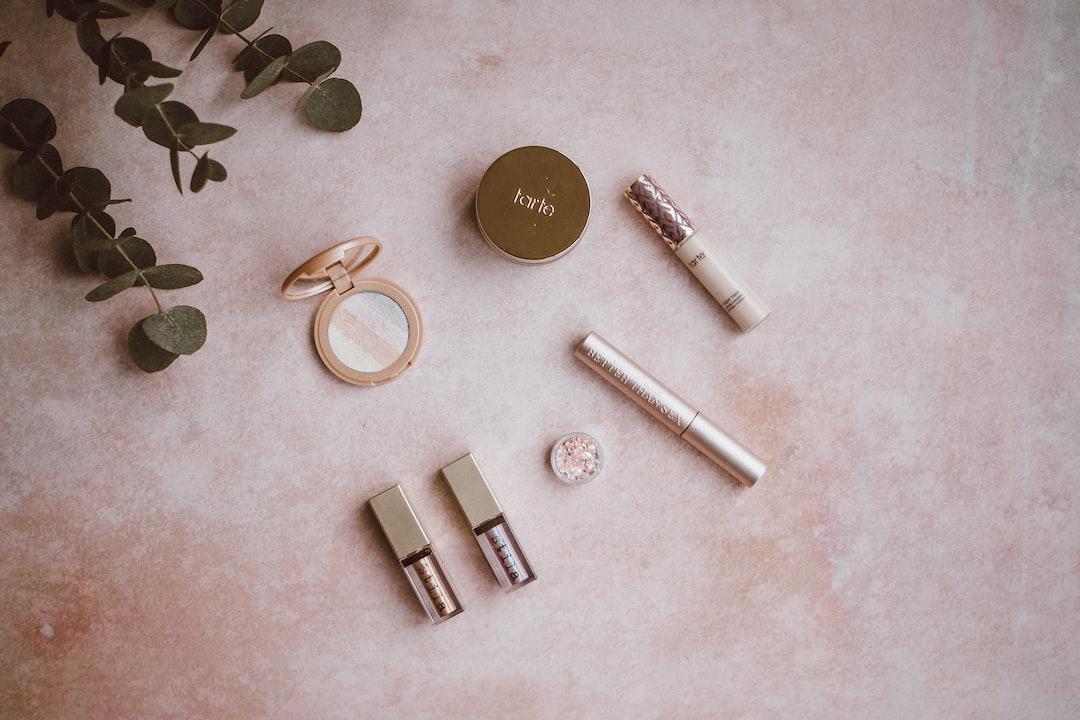 powder, highlighter, compact,mirror, mascara,glitter,lipstick,tarte,