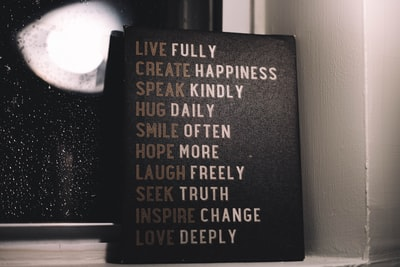 live fully create happiness speak kindly decor inspiration zoom background