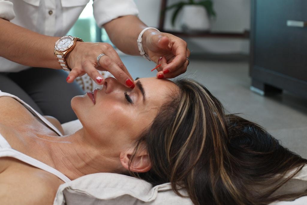 טיפולי פנים להסרת קמטים
