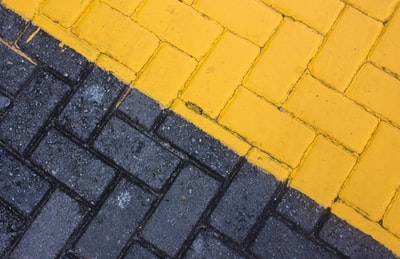 black and yellow bricks yellow zoom background