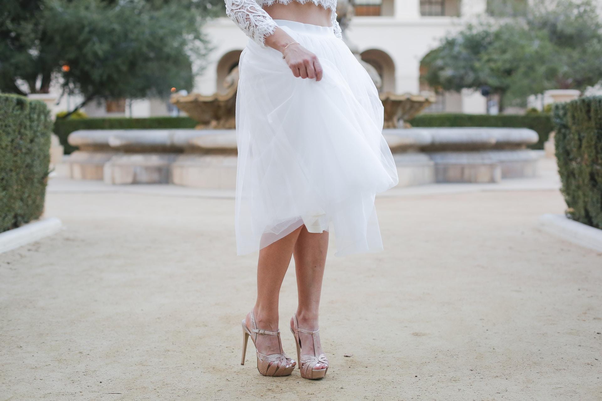 woman wearing white skirt