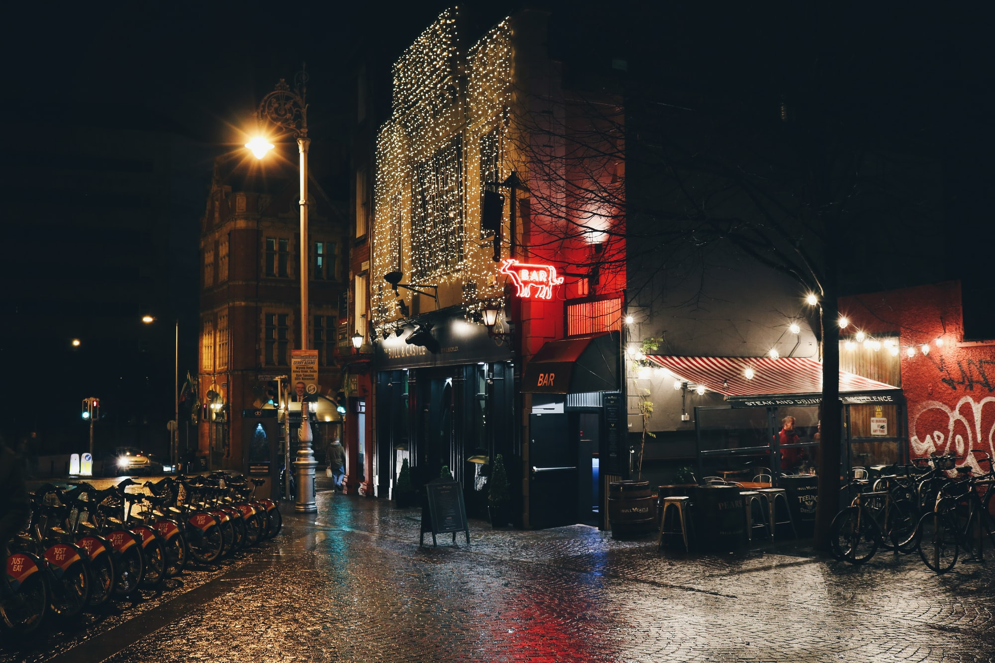 Dublin's night light reflection