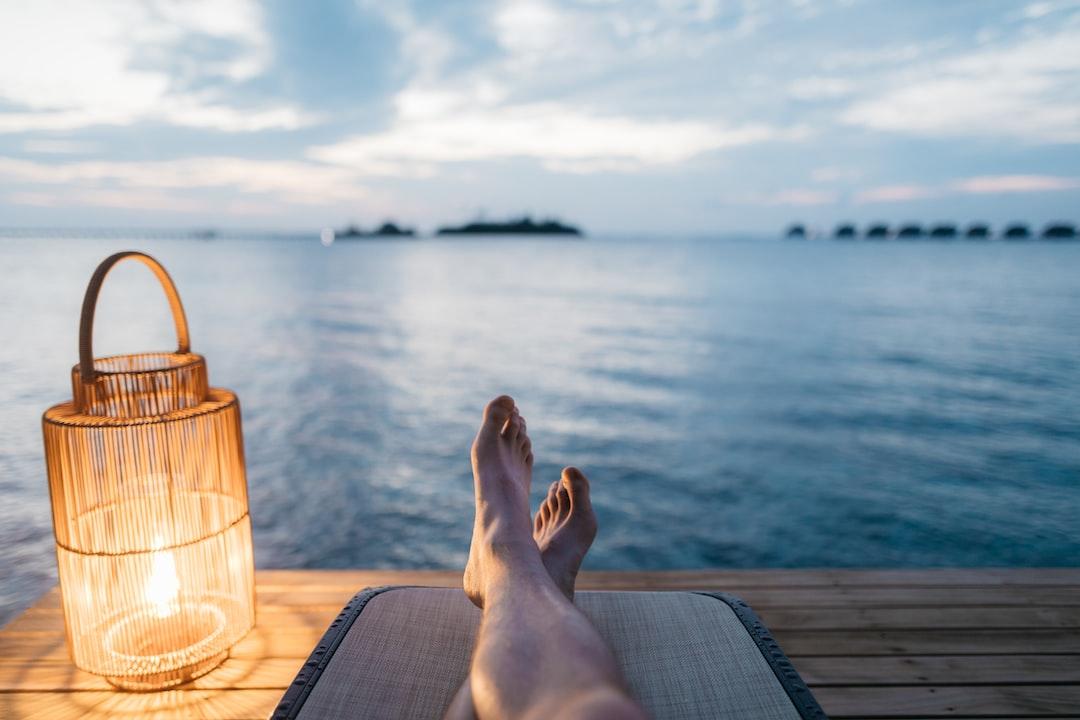 『【2020年】大学生の夏休みはどれくらい?|コロナの影響やいつからいつまで夏休みかについて徹底解説!!』の画像