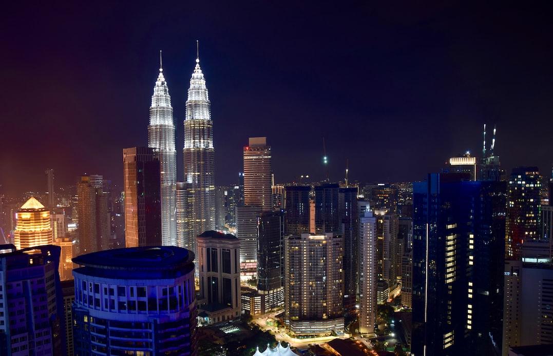 Outdoor rock climbing Malaysia Kuala Lumpur Petronas Towers