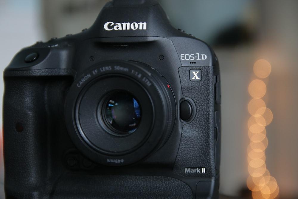 selective focus photo of Canon EOS-1D Mark