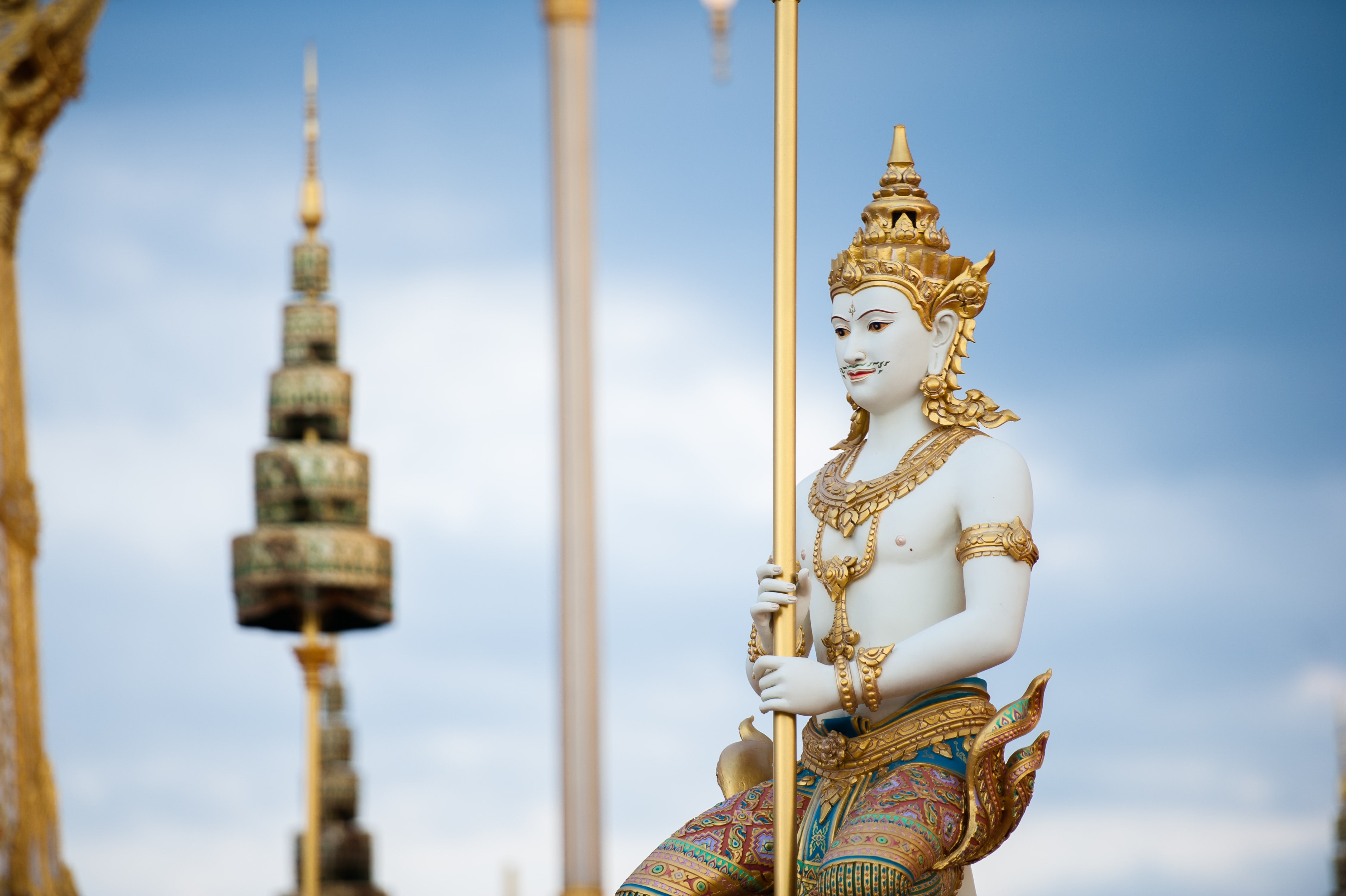 shallow focus photography of Hindu God statue