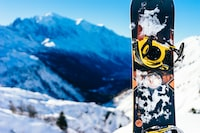 shallow focus photography of snowboard