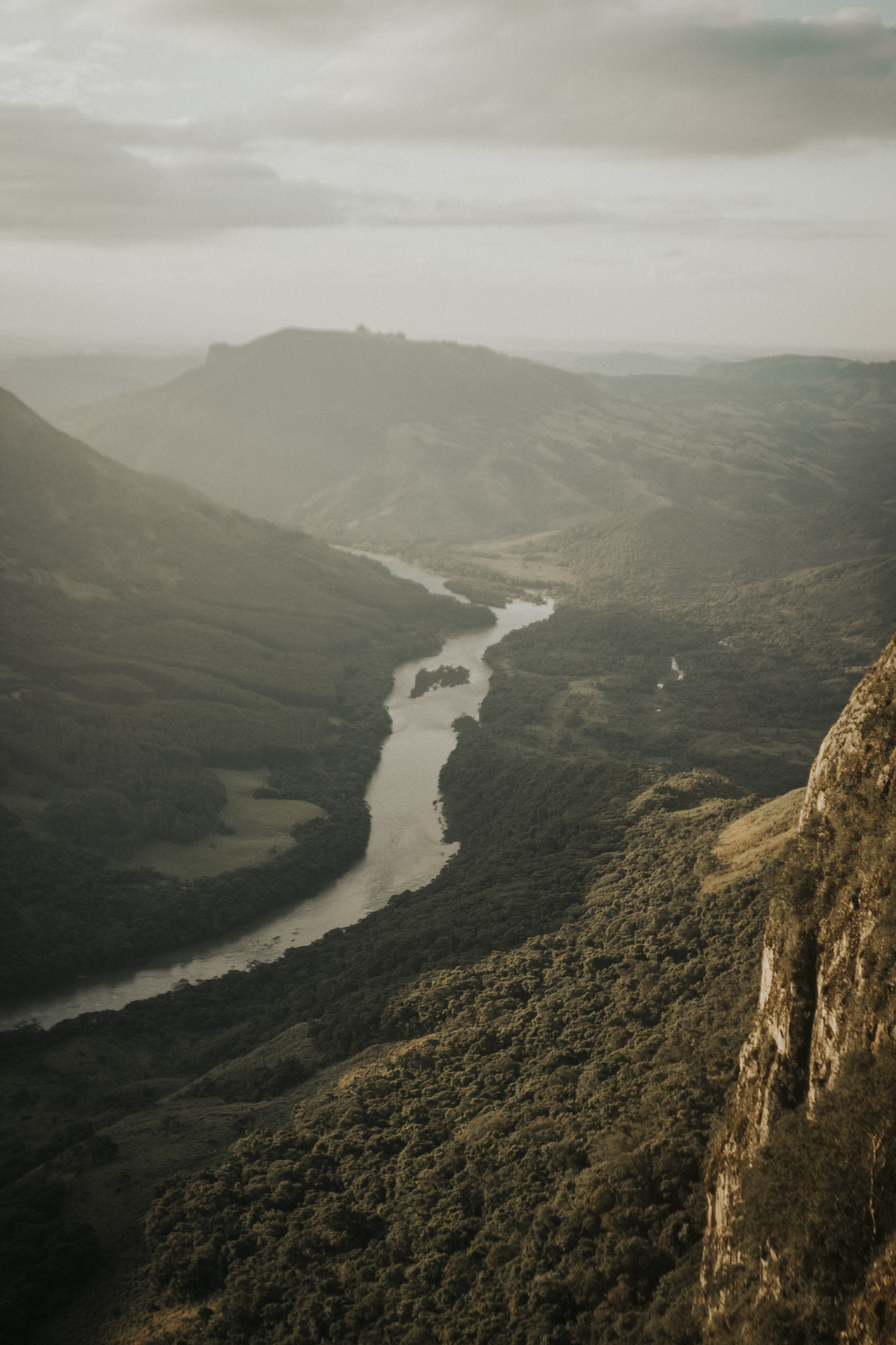 river between two mountains