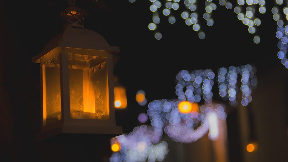 shallow focus of lantern
