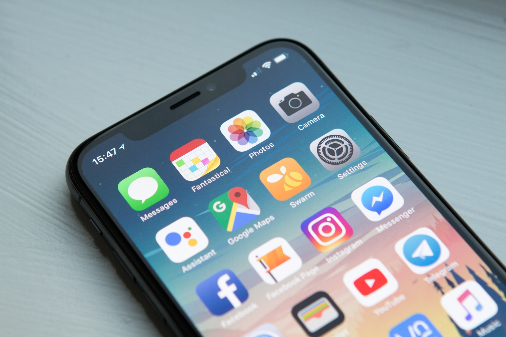 Why hire a mobile developer in 2020 - iPhoneX Screen