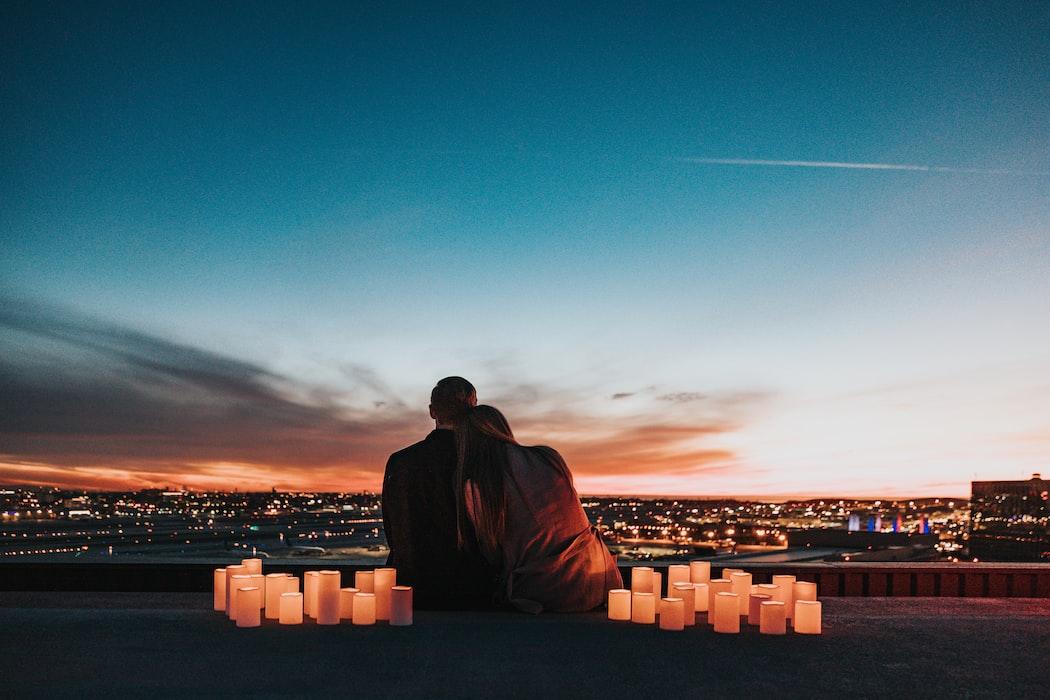 Q.1恋愛は「自分から好きになる?」「相手に言われて好きになる?」