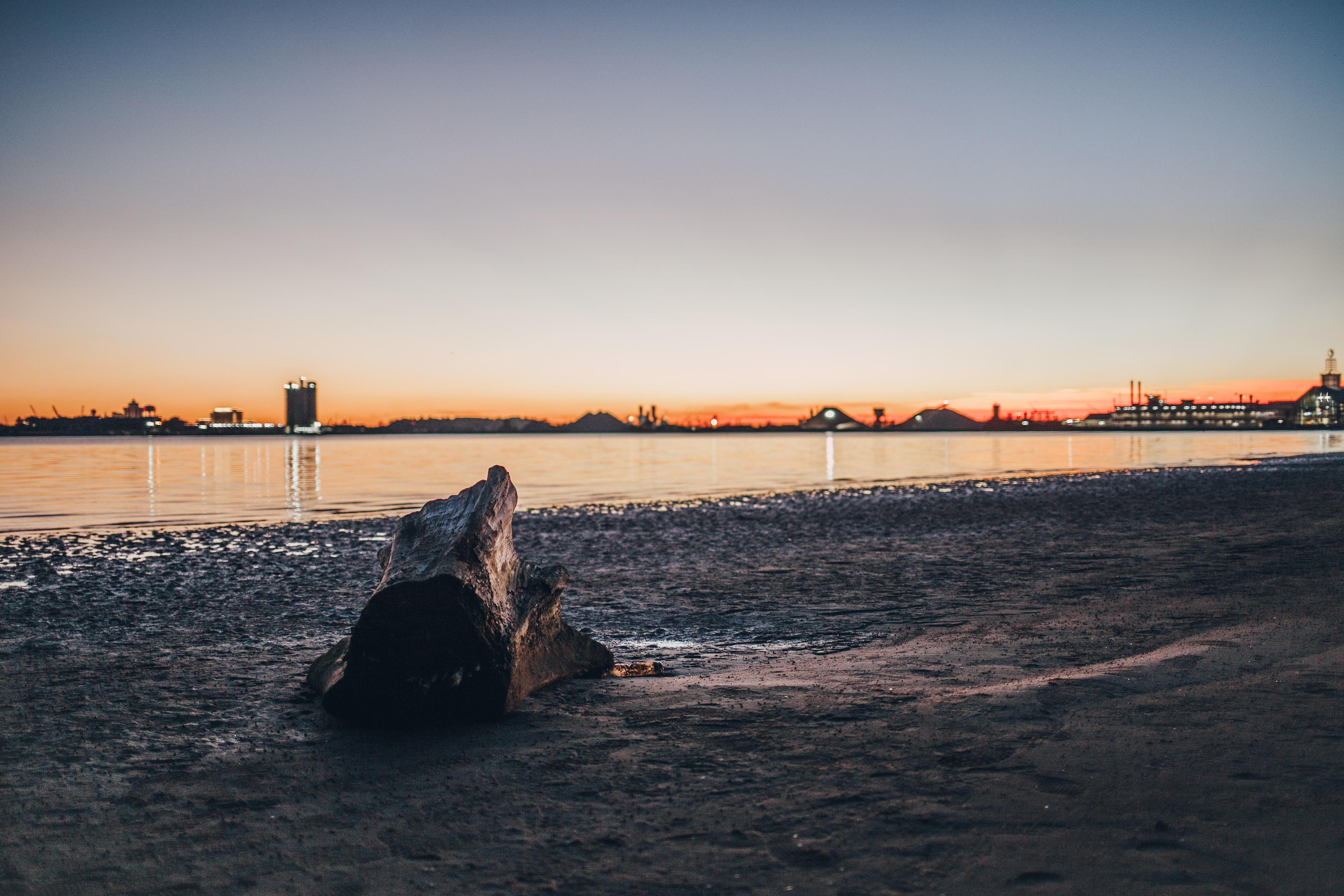 empty sea side photography