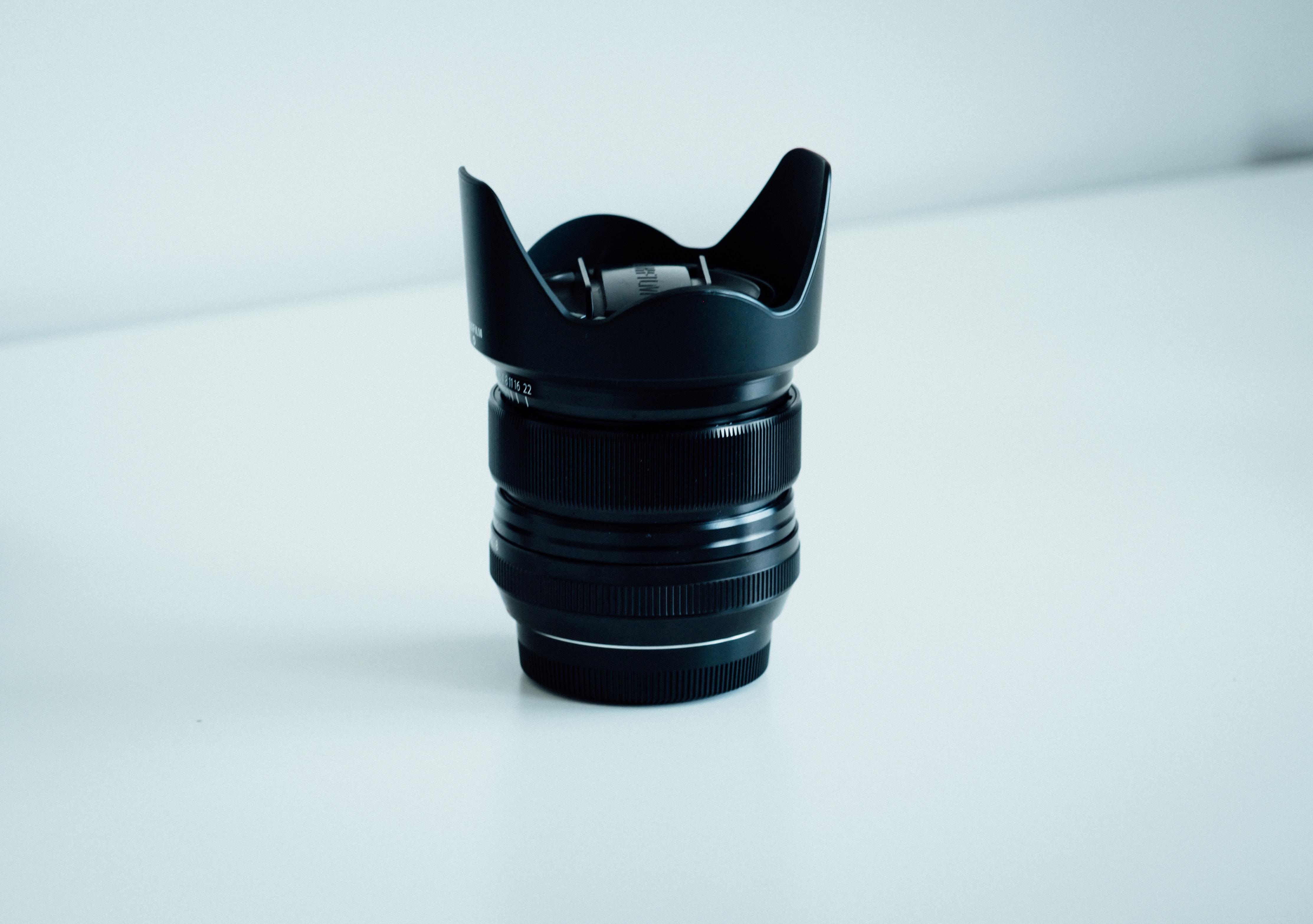 close-up photography of DSLR camera lens