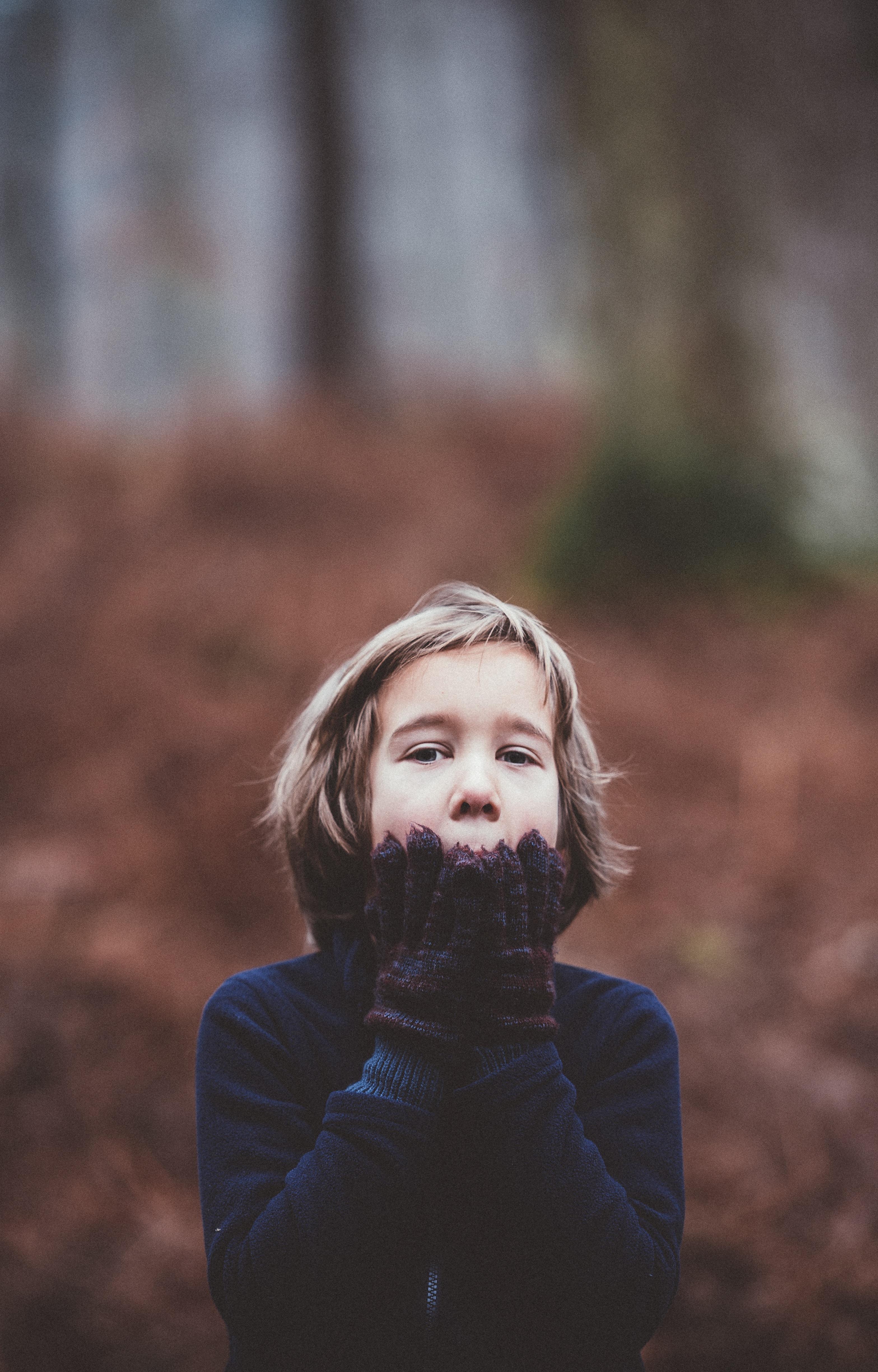 child holding chin