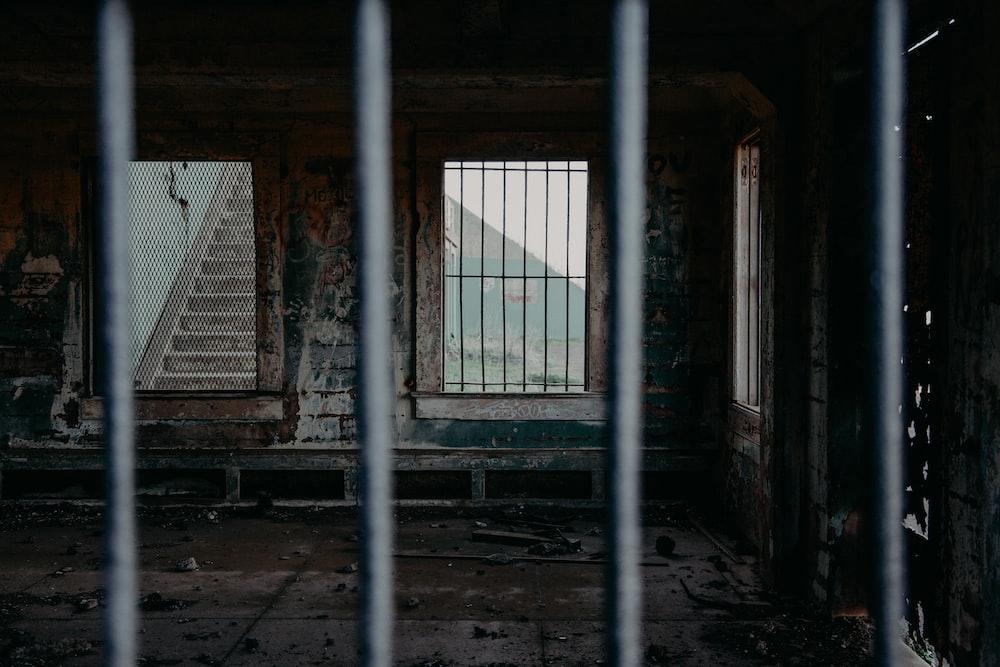 photo of abandoned house