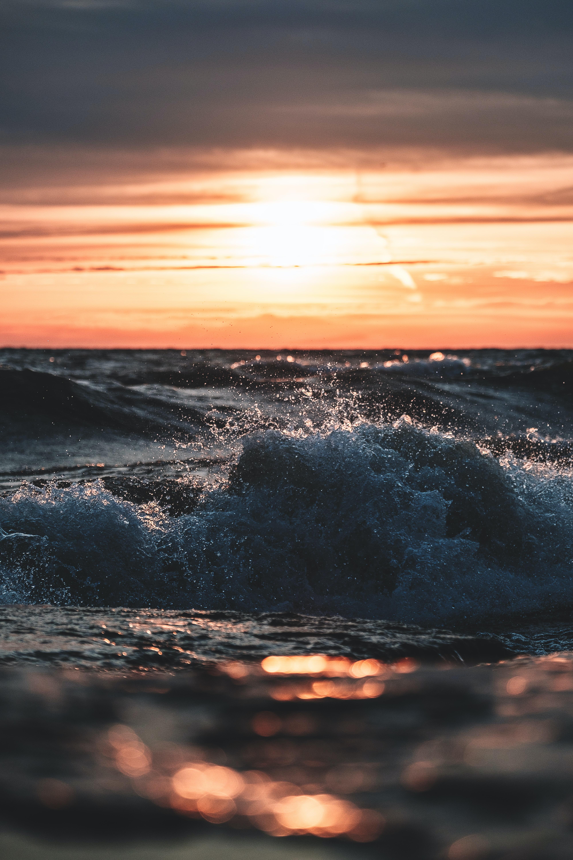 seawave during sunset