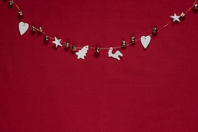 beaded white and gray Christmas beads wall decor