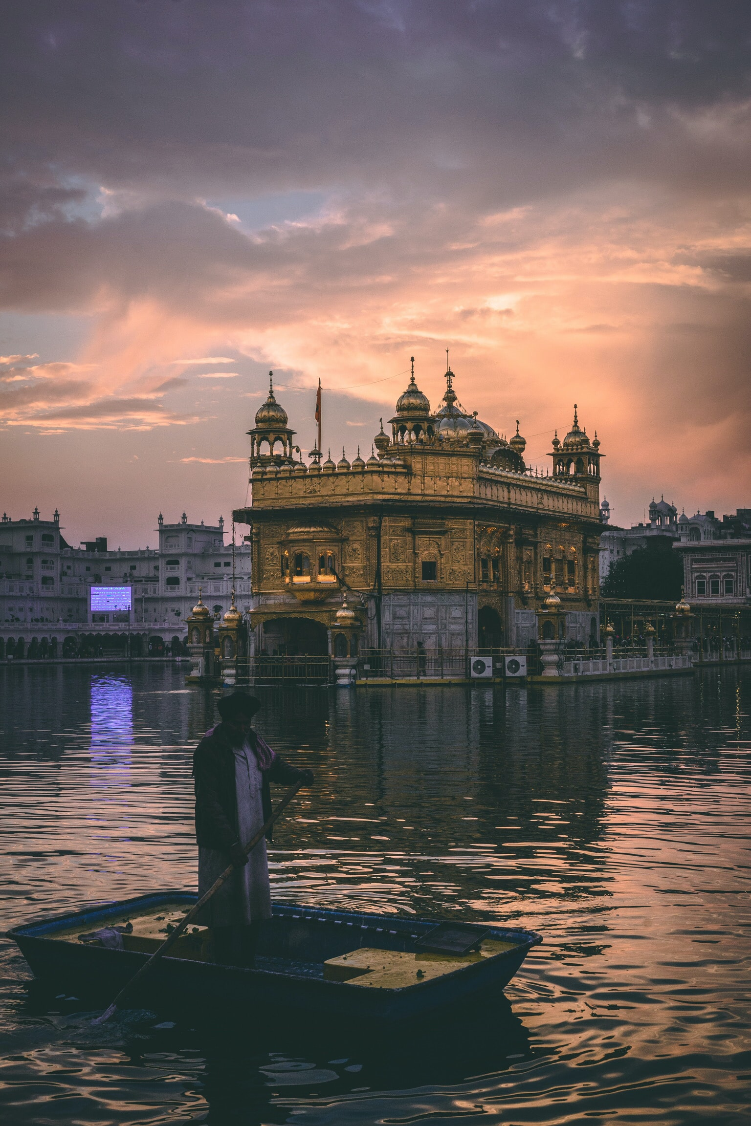 The past couple of days, I spent my time in Amritsar, Punjab which happens to a historically super significant place in India's independence struggle against the Brits, a Mecca of the Sikhs and foodies paradise since majority of the North Indian dishes originate from here. Here is one photo of The Golden Temple, the most important religious site for the Sikhs. Apart from being a religious site, it also serves free, volunteer driven meals throughout the day and is the largest free kitchen in the world with over 100,000 delicious 3 course meals on a daily basis.