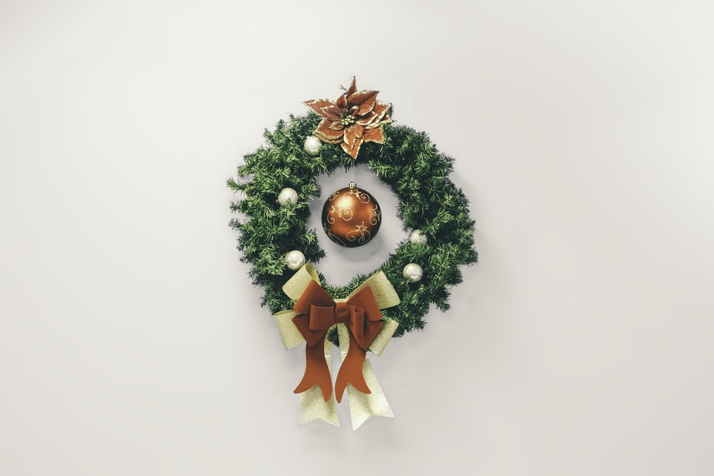 Christmas Wreath Pictures Download Free Images On Unsplash