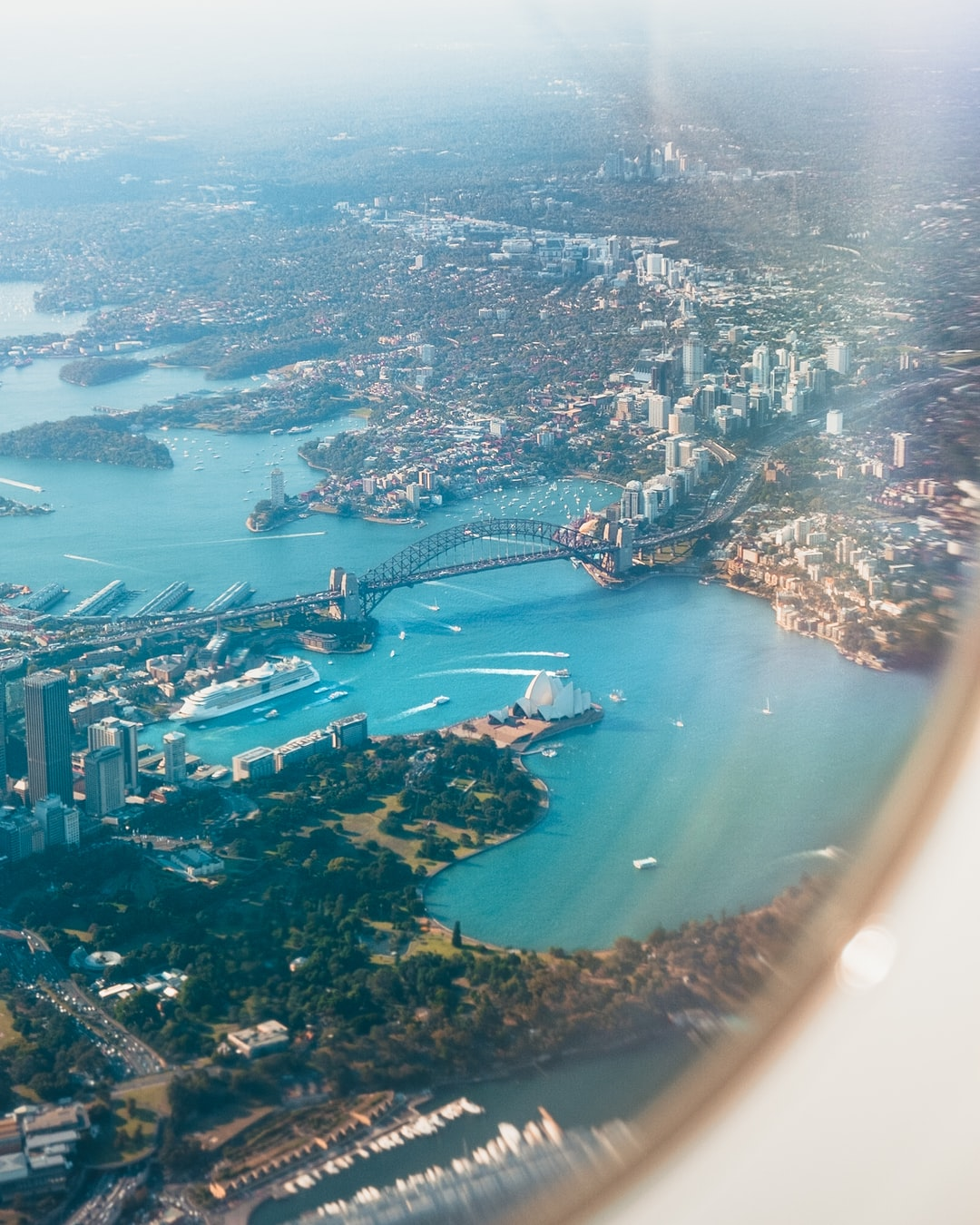 Moving to Australia? Our guide for people  emigrating to the Land Down Under!