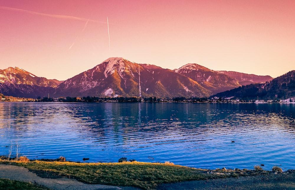 sea viewing mountain during daytime