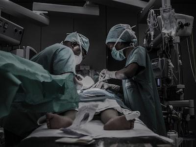 Se si riapre, 150.000 in terapia intensiva. Ma il governo ha sbagliato i conti?