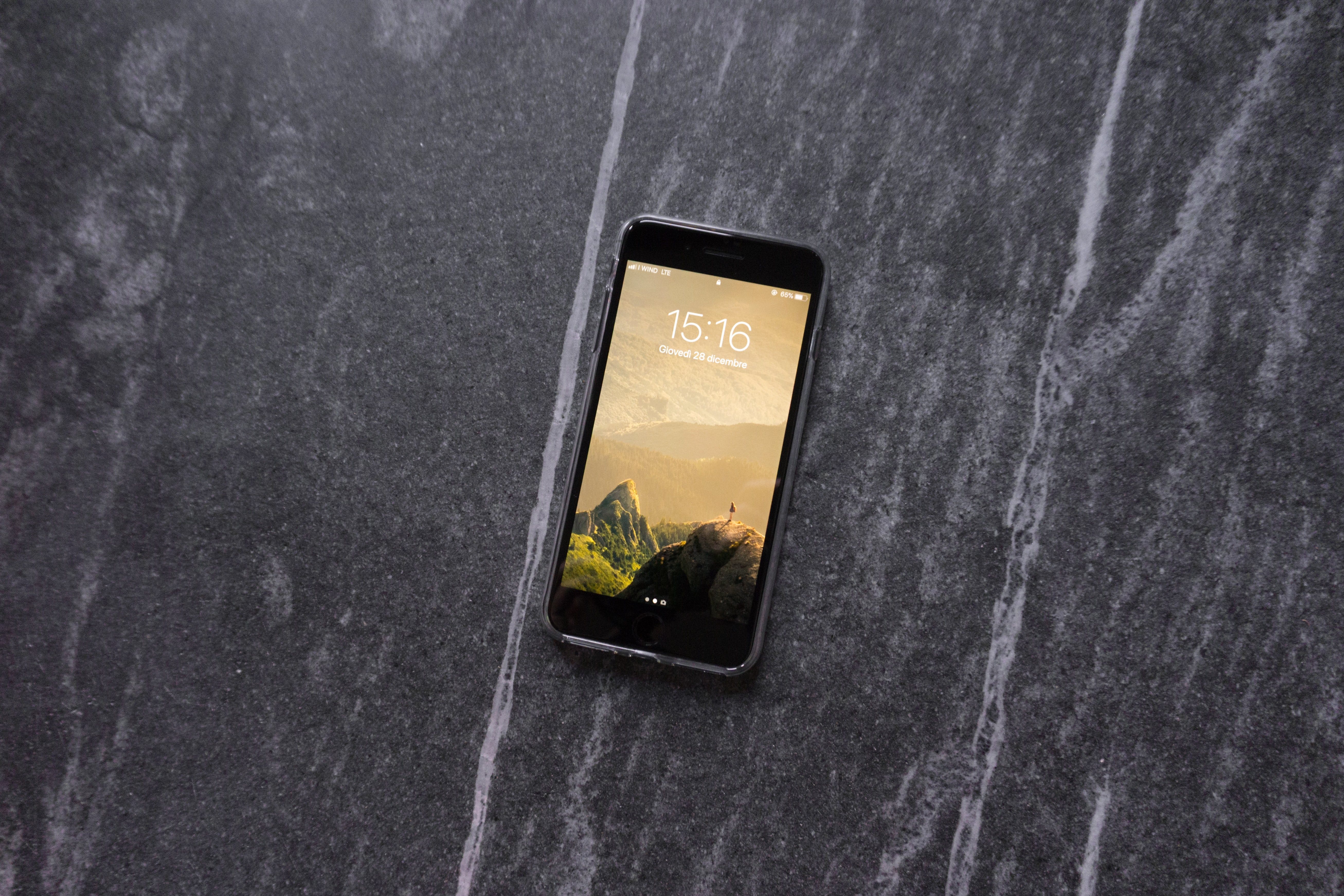 space gray iPhone 6 on tabletop