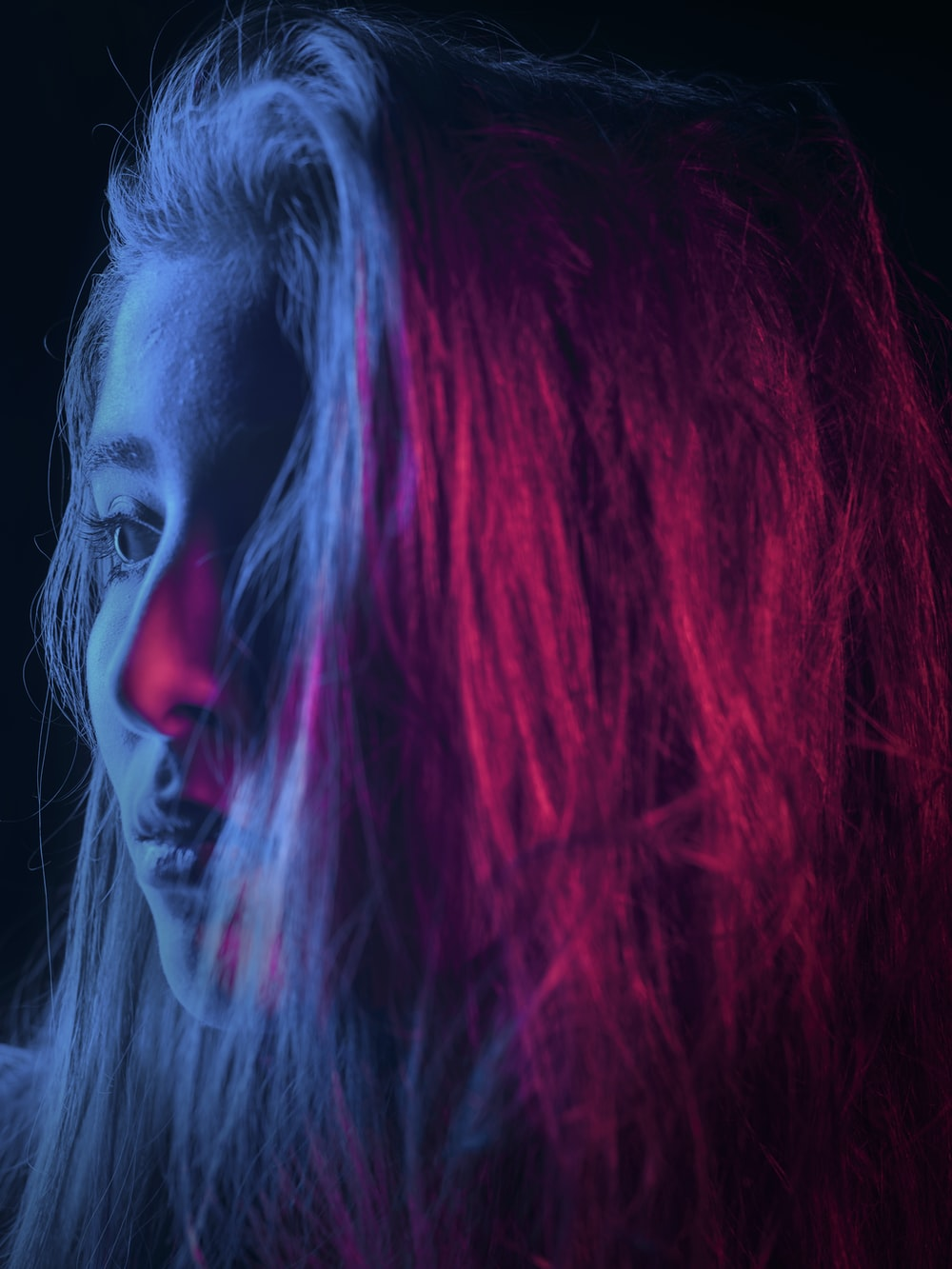 closeup photography of woman's hair with light reflection