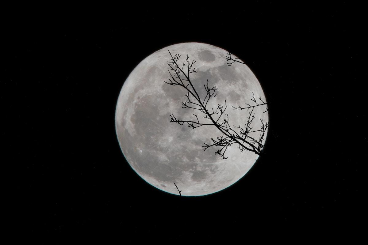 arca de Noé en la Luna, full moon