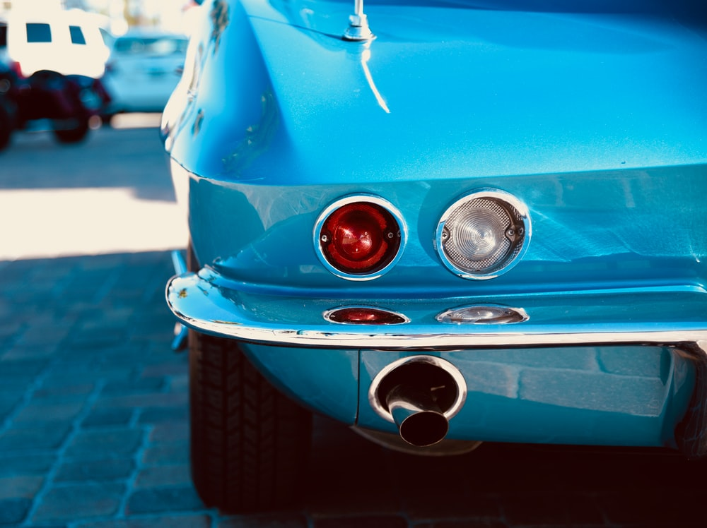shallow focus photography of car taillight
